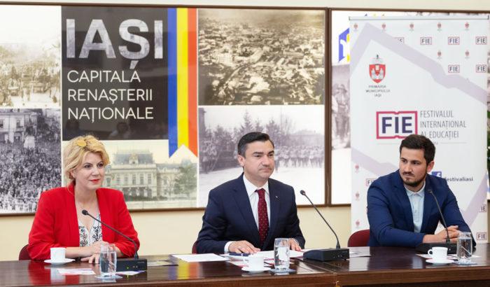 Noaptea muzeelor la Iași cu parfum de Flori de ie, RomânIA Centenară