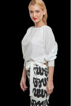 Ie tradițională albă din mătase
