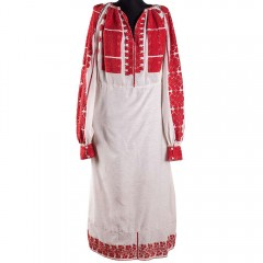 Traditional Romanian long-sleeved blouse from Oltenia, with embroidered flowers