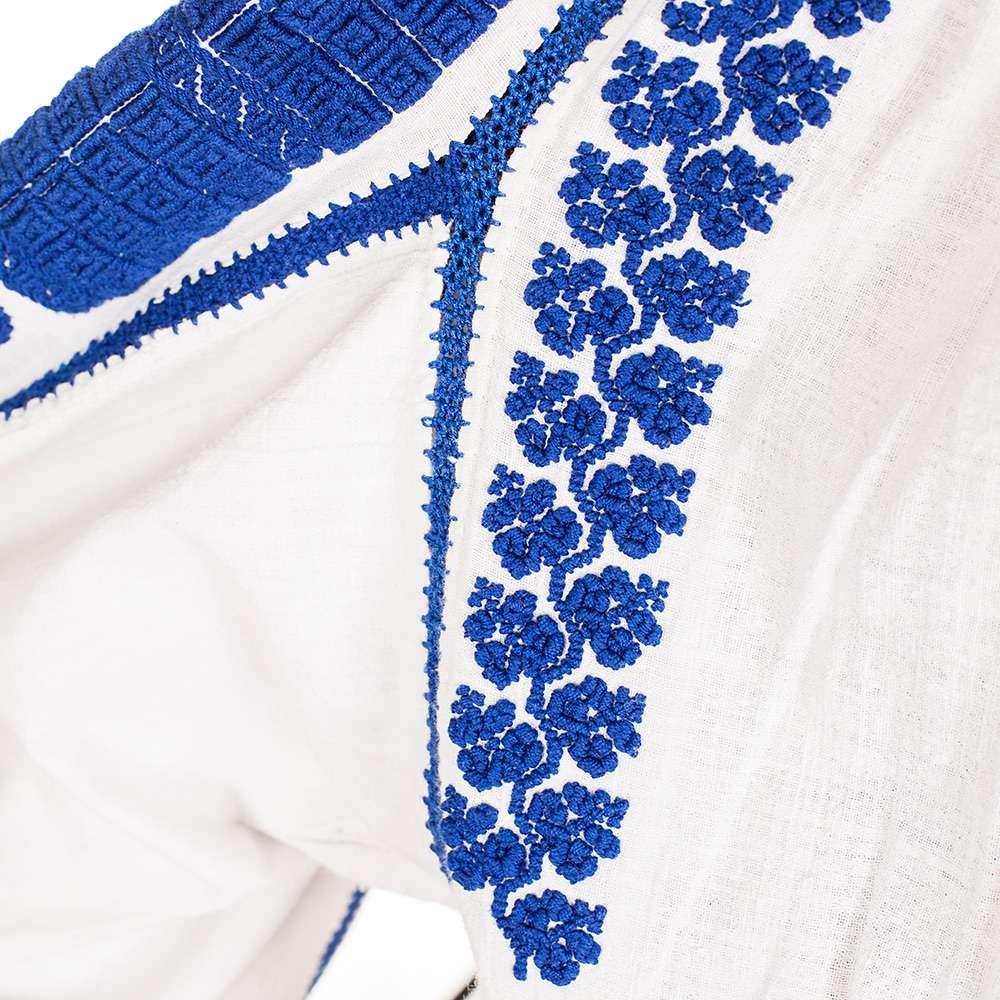 Ie din Argeș, cu flori albastre stilizate de la www.florideie.ro