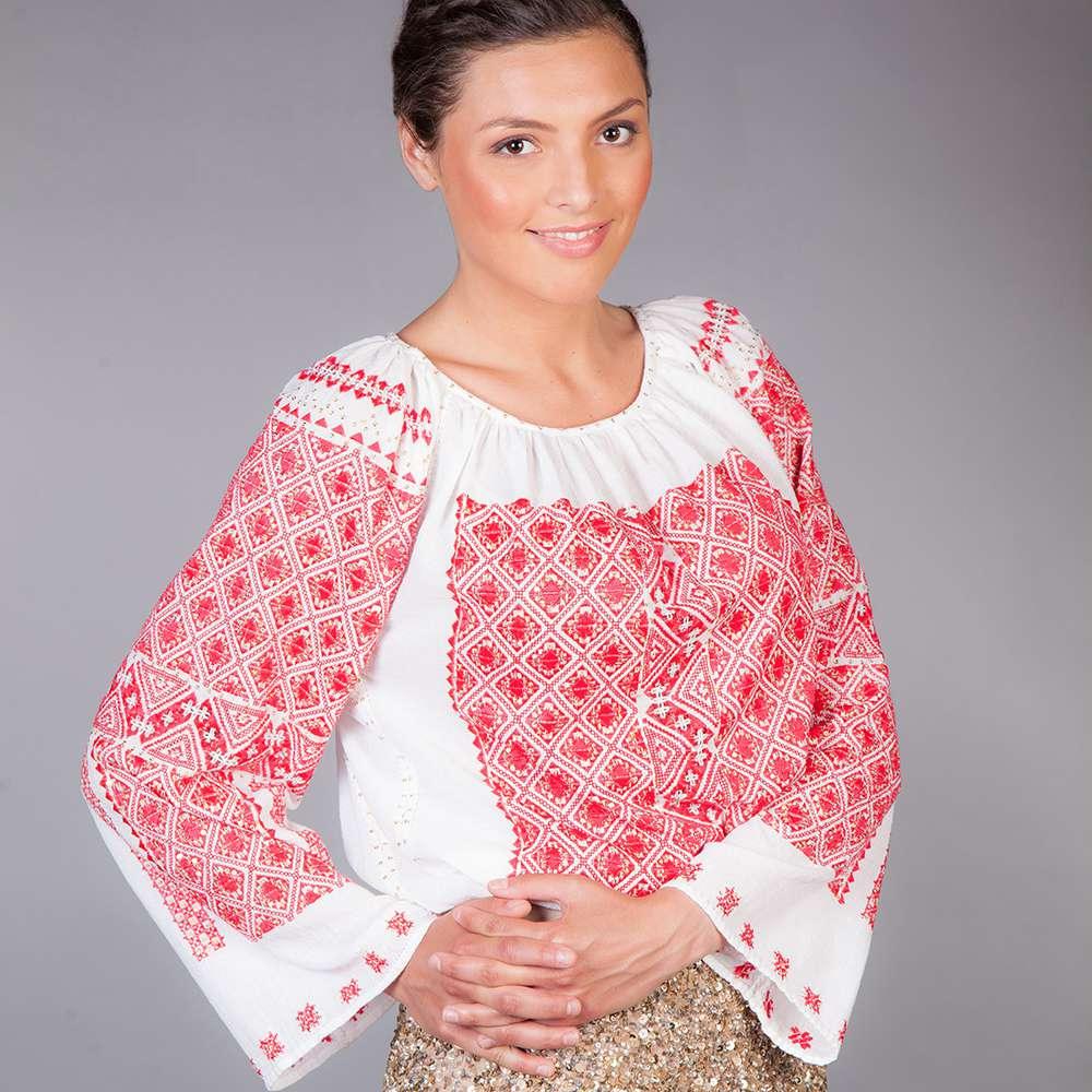 Ie românească bulgăraș roșu