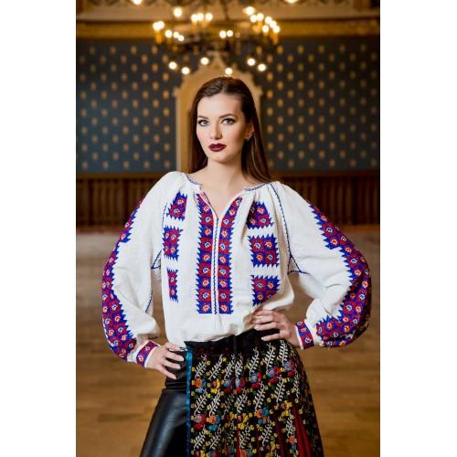 Ie românească Floare de păun