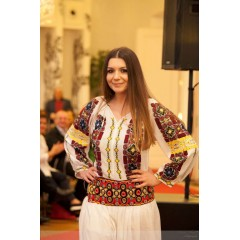 Rochie românească Cornuta